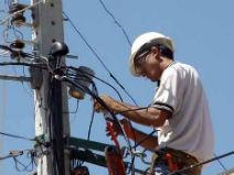 Choque elétrico é um do riscos da profissão eletricista que ocorre com mais frequência