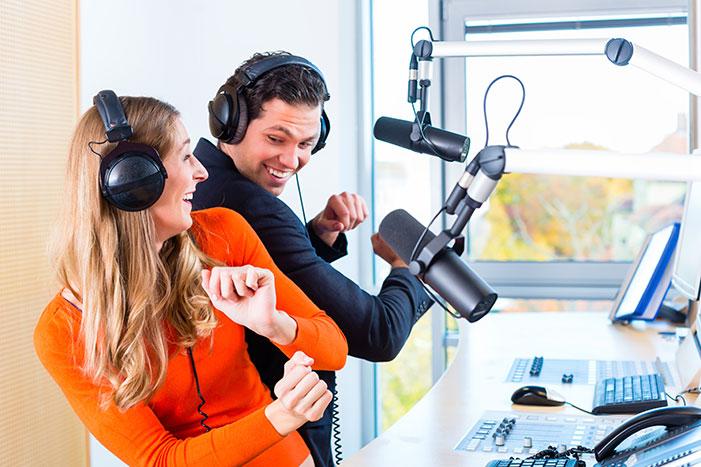 Publicidade em rádio e carro de som pode ser muito eficiente