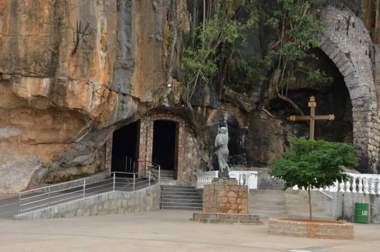 O Santuário do Bom Jesus da Lapa é um lugar de fé que transmite a mais bela visão que a natureza esculpiu