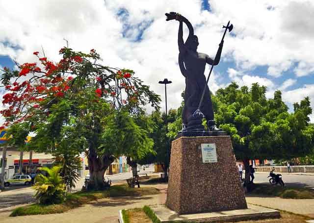 penedo Estatua de sao judas tadeu