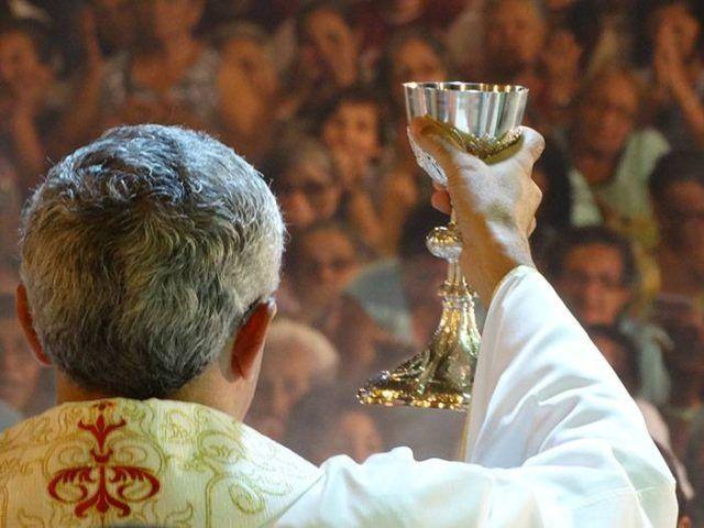 celebracao da missa semana santa bom jesus da lapa