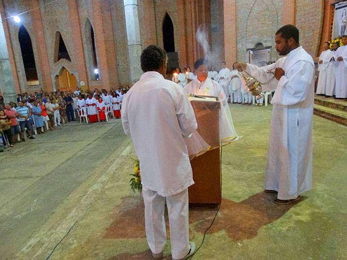 Missa na Catedral de Bom Jesus da Lapa