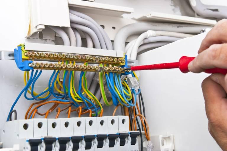 Um aumento na demanda de equipamentos requereu melhores instalações elétricas