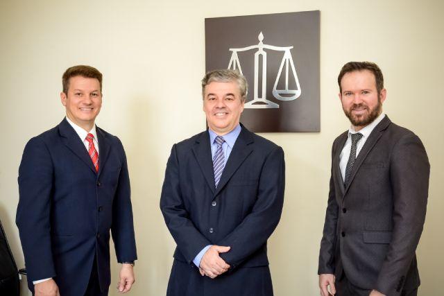 Escritório de Advocacia Gildásio Júnior e Advogados Associados