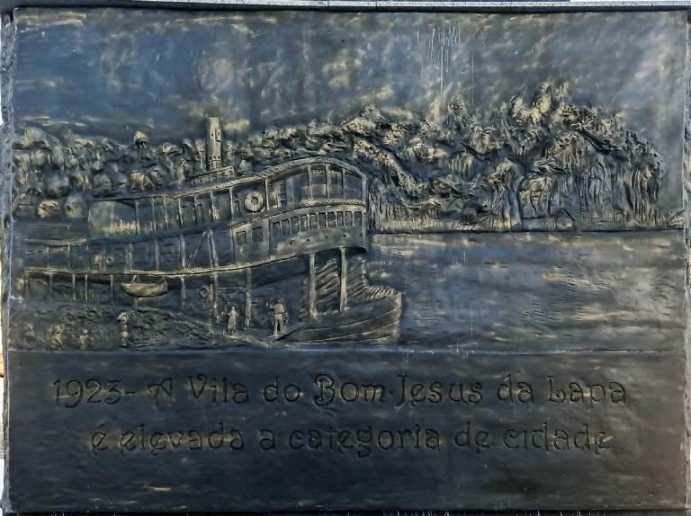 praca monsenhor turibio vila nova 1923 a vila do bom jesus da lapa e elevada a categoria de cidade